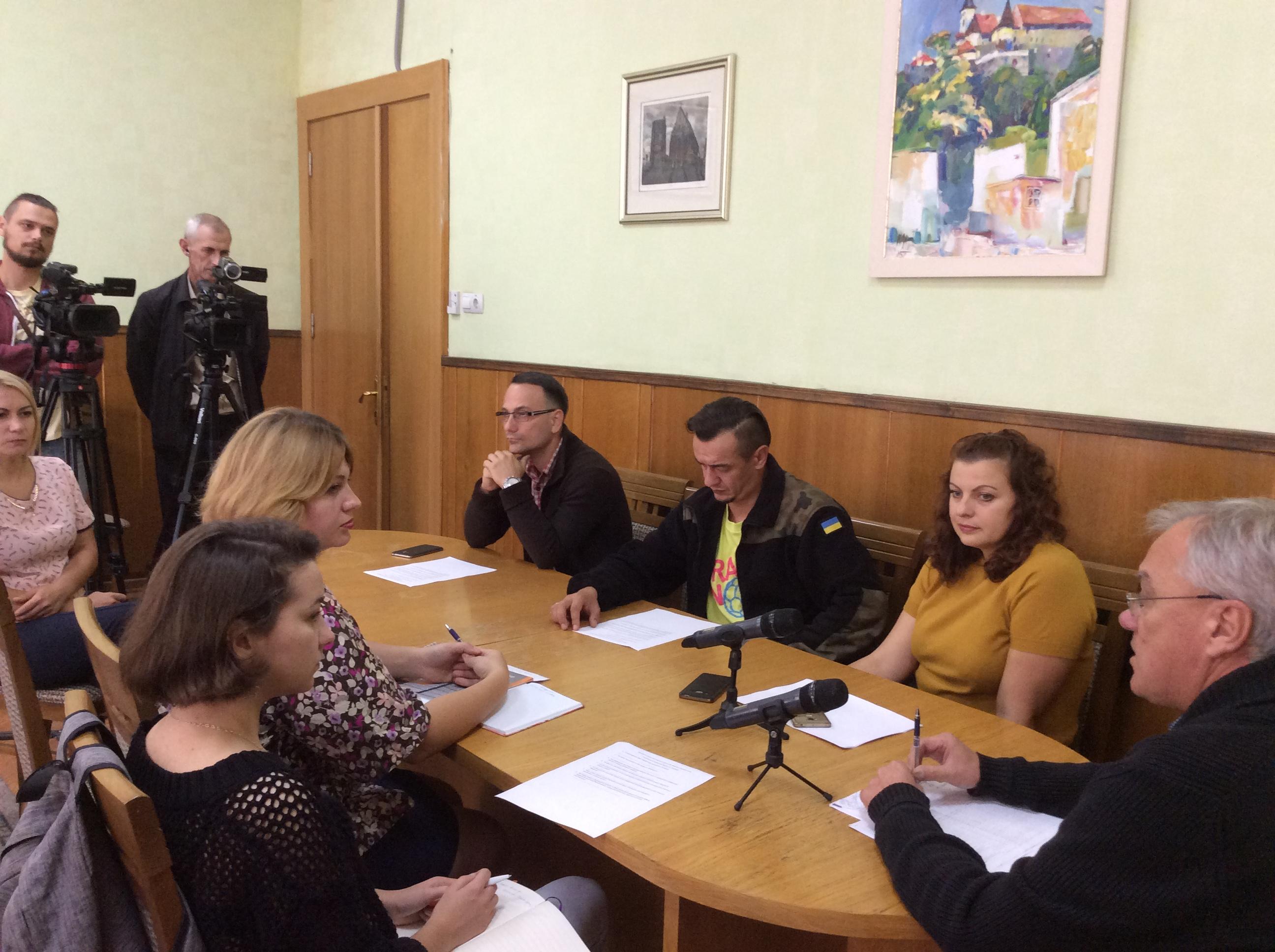 «Поговоримо про гроші»: відверта розмова журналістів з мером про бюджет у Коломиї